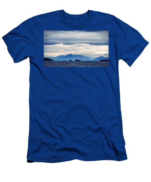 Lake George Is The Queen Of American Lakes Men's T-Shirt (Athletic Fit)