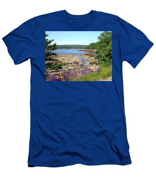 Maine Lupines Men's T-Shirt (Athletic Fit)