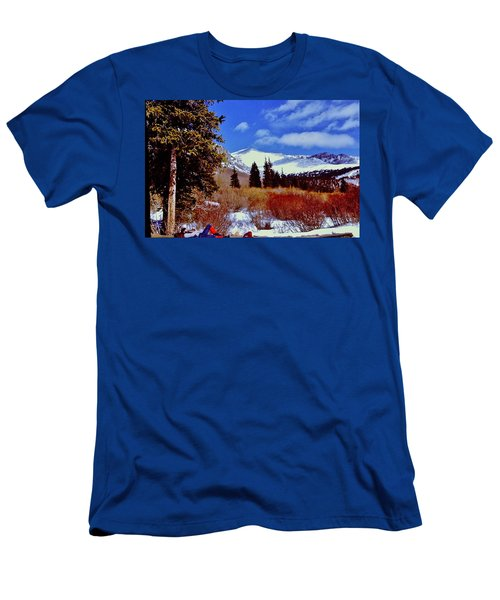 Mount St Vrain  Men's T-Shirt (Athletic Fit)