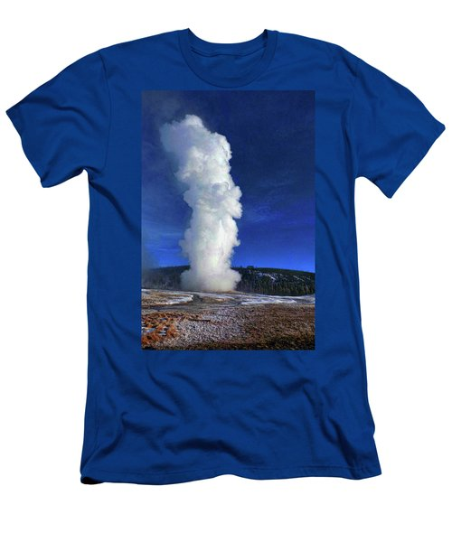 Old Faithful In Winter Men's T-Shirt (Slim Fit) by C Sitton