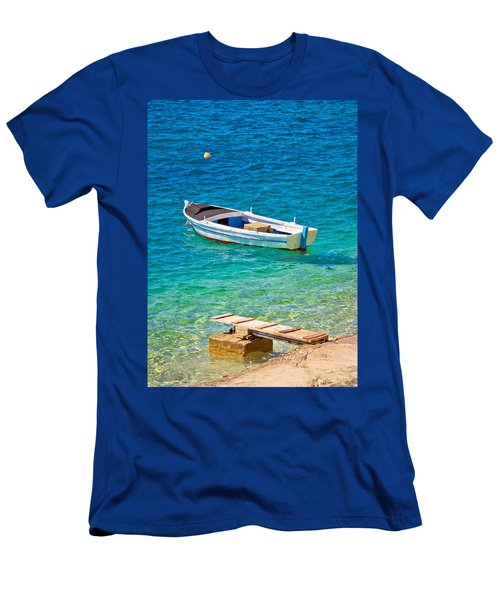 Old Wooden Fishermen Boat On Turquoise Beach Men's T-Shirt (Athletic Fit)