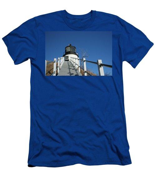 Owls Head Lighthouse Winter Men's T-Shirt (Athletic Fit)