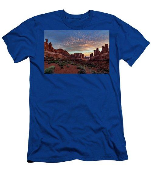 Park Avenue Sunrise Men's T-Shirt (Athletic Fit)