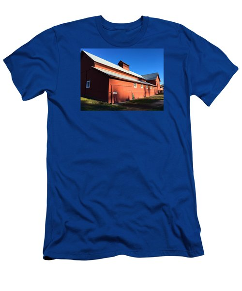 Red Barn, Blue Sky Men's T-Shirt (Athletic Fit)