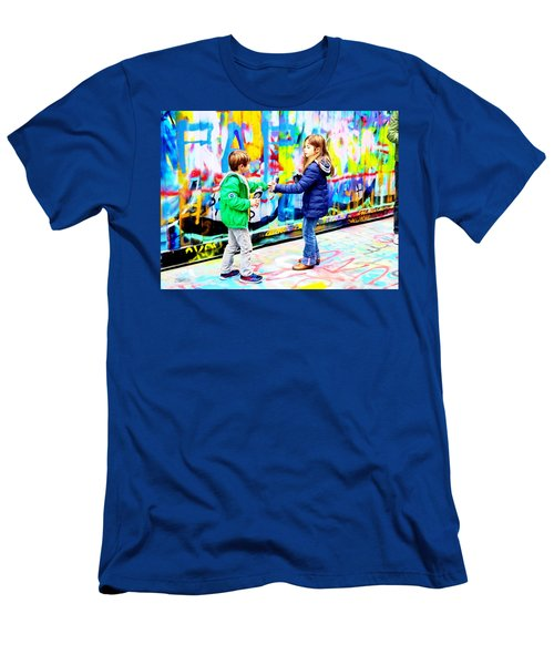 Sharing Graffiti Aerosols In Paris Men's T-Shirt (Athletic Fit)