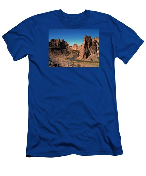 Smith Rock Men's T-Shirt (Athletic Fit)