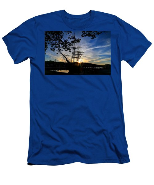 Sunset On The Whalers Men's T-Shirt (Athletic Fit)