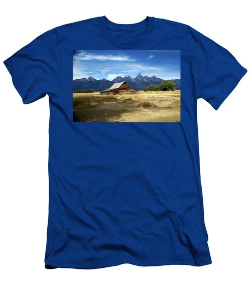 Teton Barn 3 Men's T-Shirt (Athletic Fit)