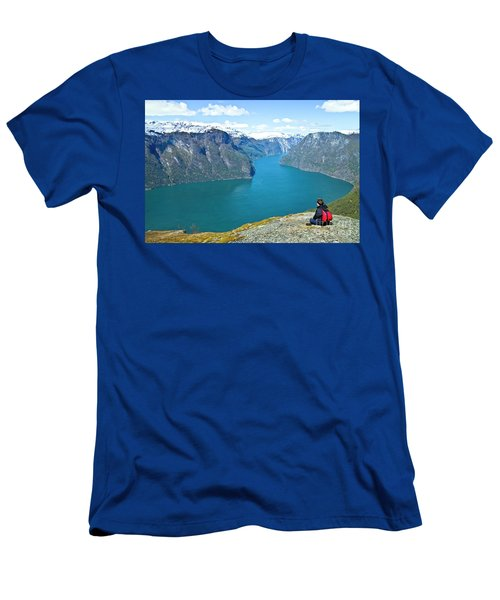Visitor At Aurlandsfjord Men's T-Shirt (Athletic Fit)