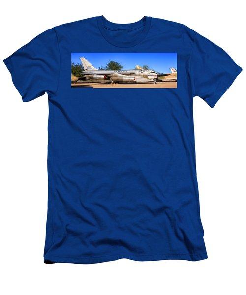 B58 Hustler Sac Bomber Men's T-Shirt (Athletic Fit)
