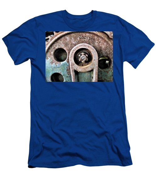 Chain Gear Men's T-Shirt (Athletic Fit)