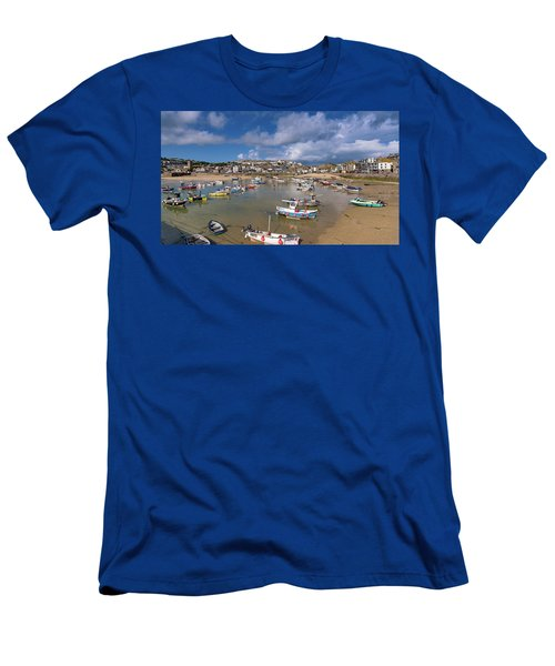 Harbour - St Ives Cornwall Men's T-Shirt (Athletic Fit)