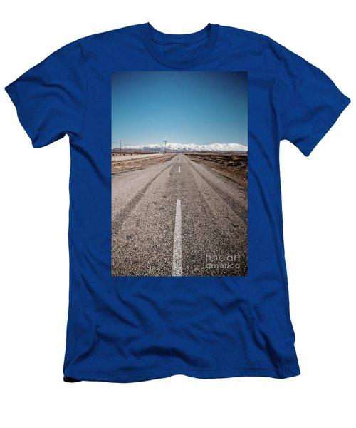 infinit road in Turkish landscapes Men's T-Shirt (Athletic Fit)