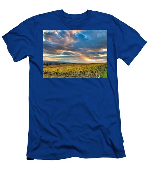 Willamette Valley In Fall Men's T-Shirt (Athletic Fit)