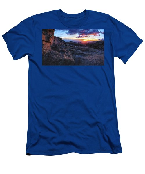 Windy Point Sunset Men's T-Shirt (Athletic Fit)
