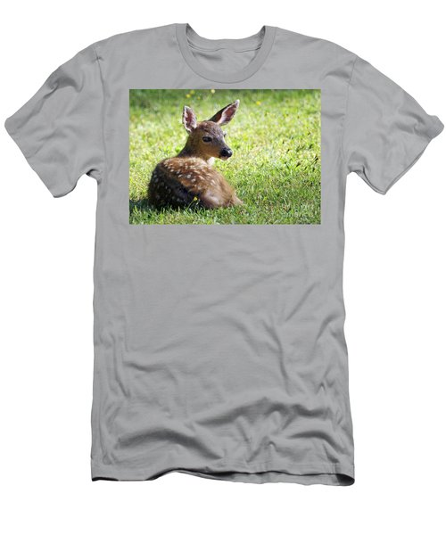 A Fawn On The Lawn Men's T-Shirt (Athletic Fit)