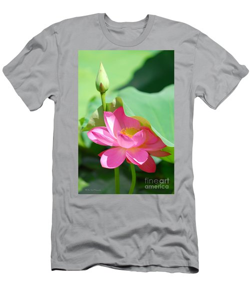 D48l-96 Water Lily At Goodale Park Photo Men's T-Shirt (Athletic Fit)