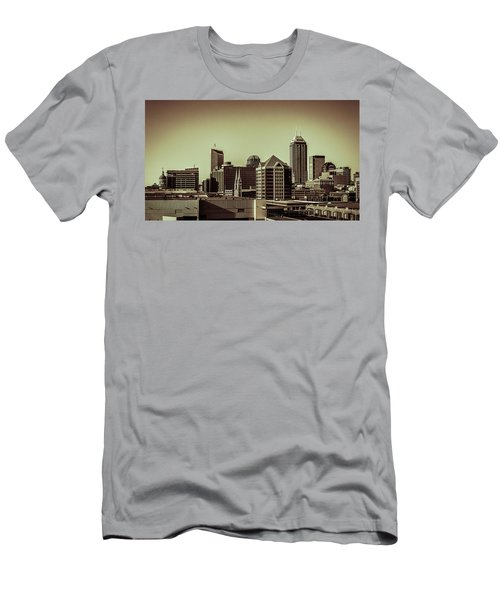Indianapolis Skyline - Black And White Men's T-Shirt (Athletic Fit)