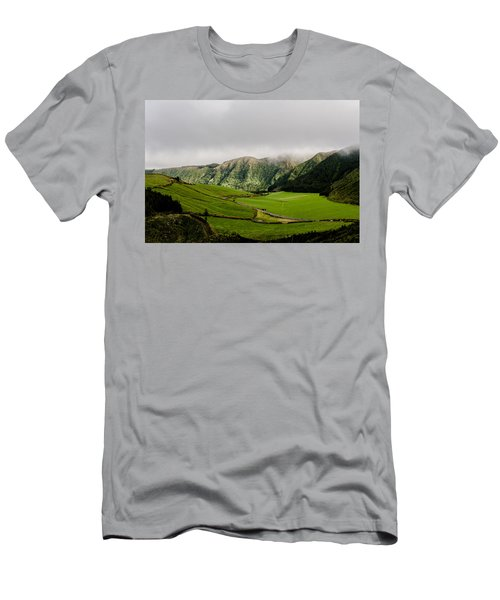 Road Over Valley Men's T-Shirt (Athletic Fit)