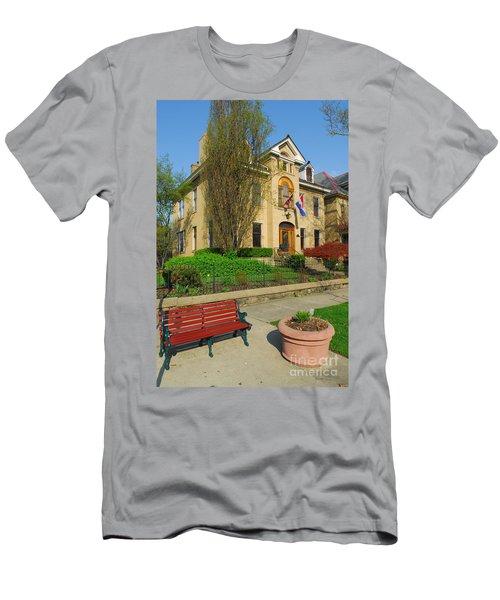 D47l-14 Victorian Village Photo Men's T-Shirt (Athletic Fit)