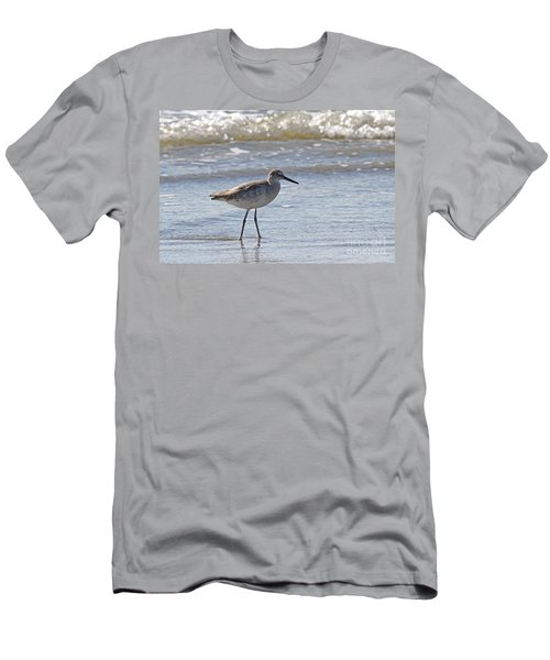 Willet Bird Wading In Ocean Surf Men's T-Shirt (Athletic Fit)