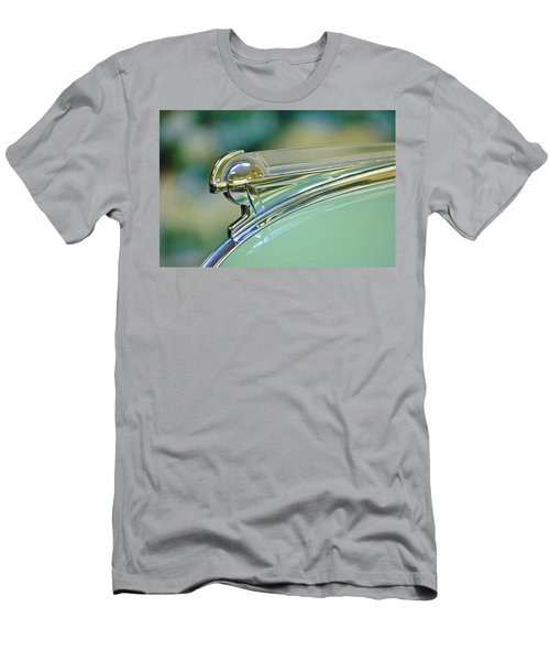 1940 Oldsmobile Hood Ornament Men's T-Shirt (Athletic Fit)