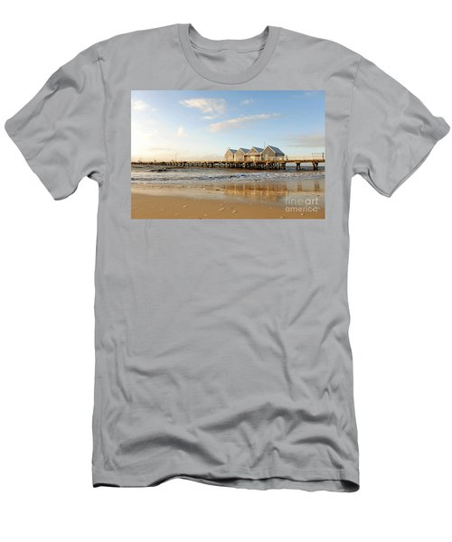 Busselton Jetty Men's T-Shirt (Athletic Fit)