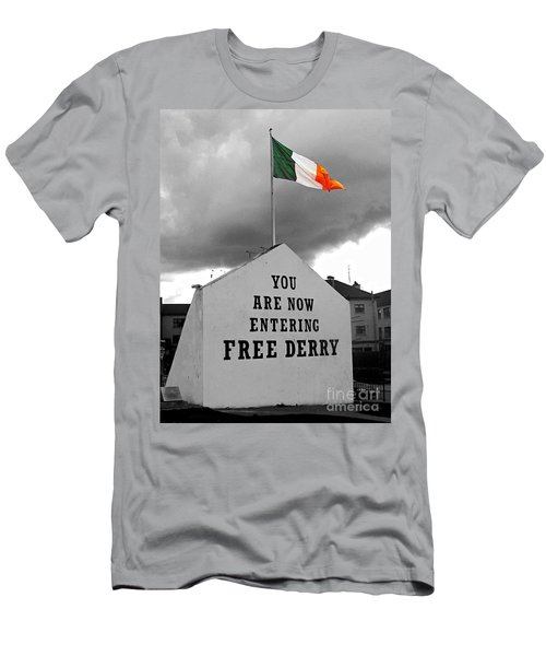 Free Derry Wall Men's T-Shirt (Athletic Fit)