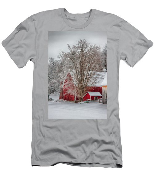 Red Vermont Barn Men's T-Shirt (Athletic Fit)