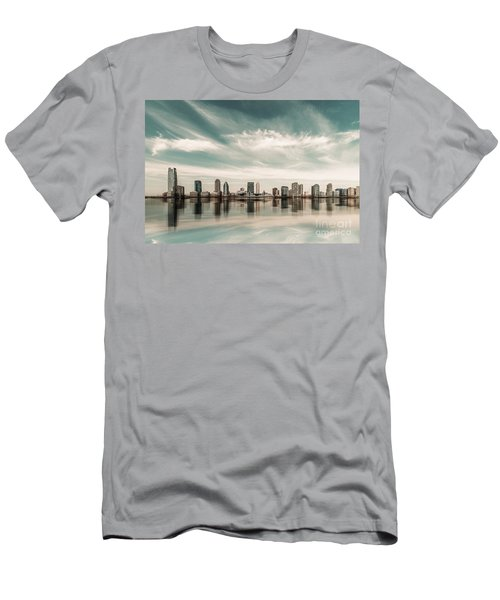 a look to New Jersey  Men's T-Shirt (Athletic Fit)