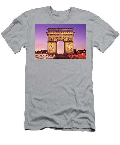 Arc De Triomphe Facade / Paris Men's T-Shirt (Athletic Fit)