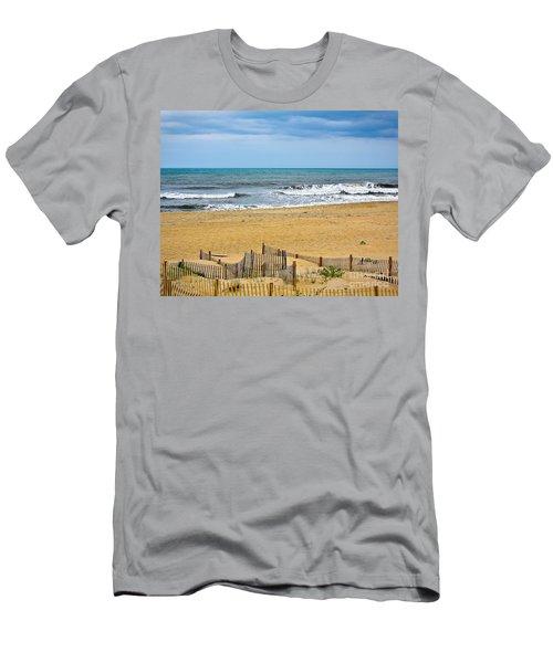 Awaiting The Storm - Sandbridge Virginia Men's T-Shirt (Athletic Fit)