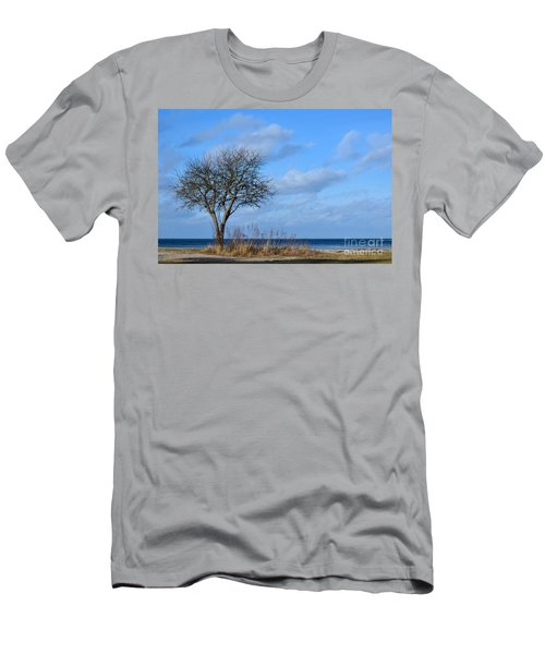 Bare Single Tree Men's T-Shirt (Athletic Fit)