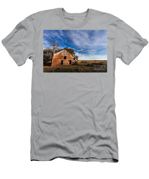 Barn In The Midwest Men's T-Shirt (Slim Fit) by Steven Reed