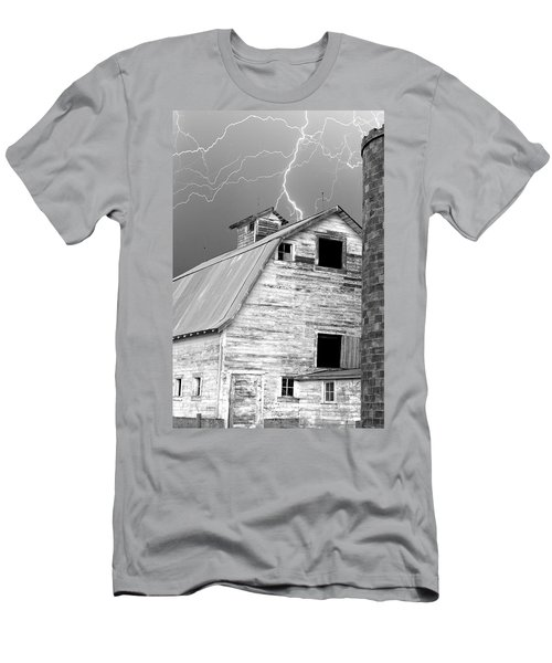 Black And White Old Barn Lightning Strikes Men's T-Shirt (Athletic Fit)