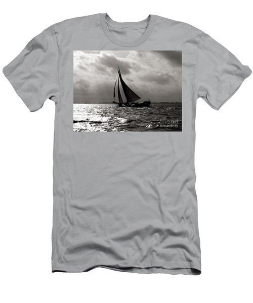 Black Sail Sunset Men's T-Shirt (Athletic Fit)