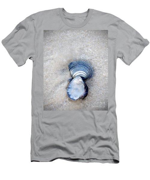 Blue Seashells Men's T-Shirt (Athletic Fit)