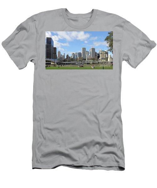 Brisbane City Men's T-Shirt (Athletic Fit)