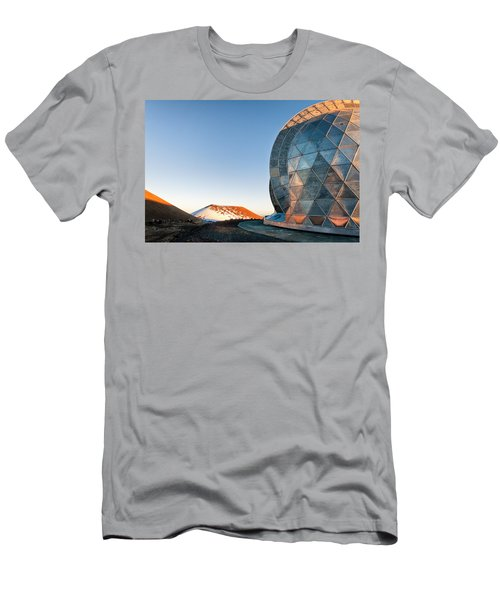 Men's T-Shirt (Slim Fit) featuring the photograph Caltech Submillimeter Observatory by Jim Thompson