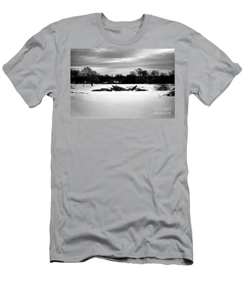 Canoes In The Snow - Monochrome Men's T-Shirt (Athletic Fit)