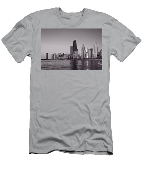 Chicago Morning Bw Men's T-Shirt (Athletic Fit)