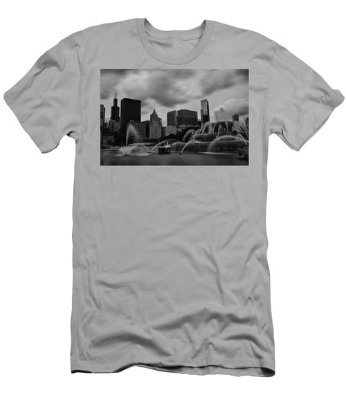 Chicago City Skyline Men's T-Shirt (Slim Fit) by Miguel Winterpacht