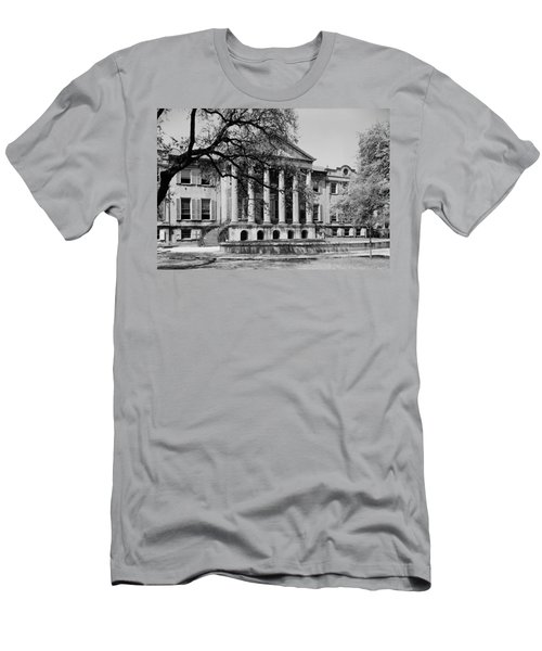 College Of Charleston Main Building 1940 Men's T-Shirt (Athletic Fit)