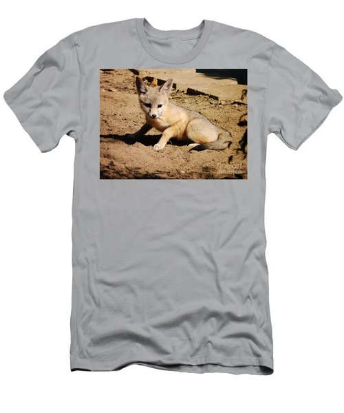 Curious Kit Fox Men's T-Shirt (Athletic Fit)