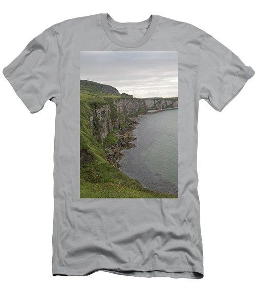 Carrick-a-rede Cliffs Men's T-Shirt (Athletic Fit)