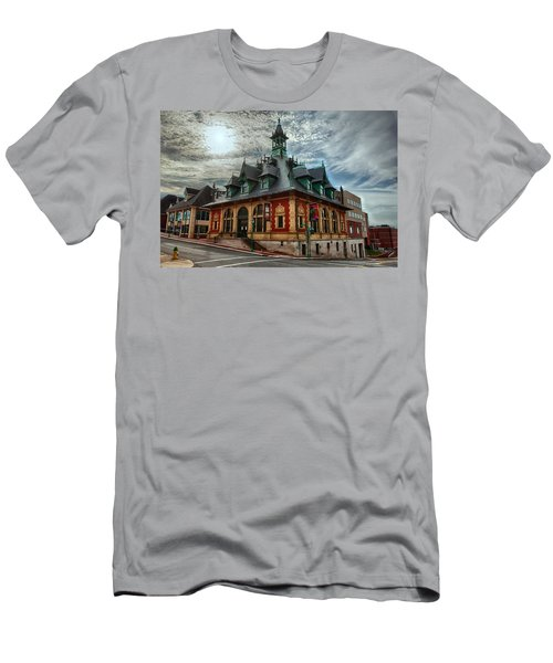 Customs House Museum Men's T-Shirt (Athletic Fit)