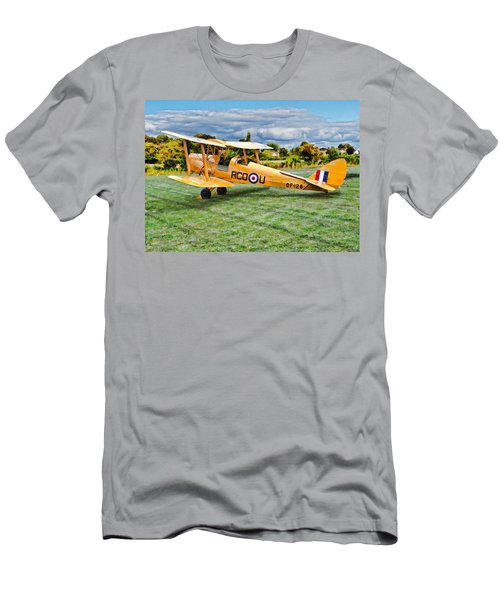 De Havilland Dh82 Tiger Moth Men's T-Shirt (Athletic Fit)