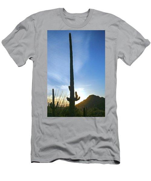 Desert Giant Men's T-Shirt (Athletic Fit)