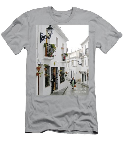Men's T-Shirt (Slim Fit) featuring the photograph Dinner Delivery by Suzanne Oesterling