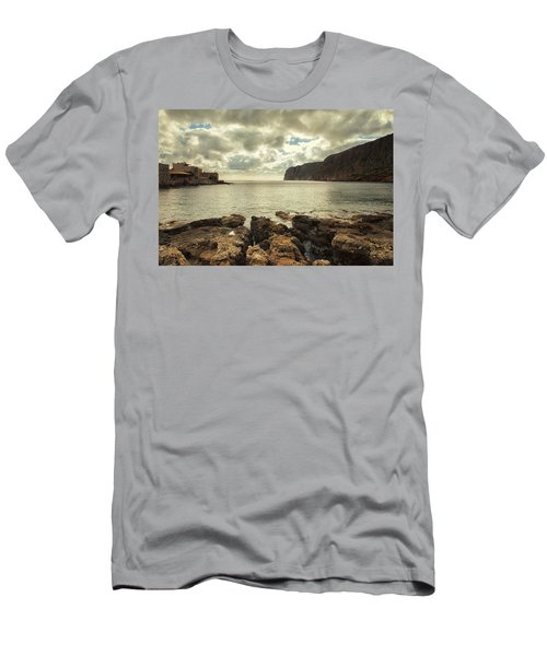 Dreamy Bay  Men's T-Shirt (Slim Fit) by Mike Santis